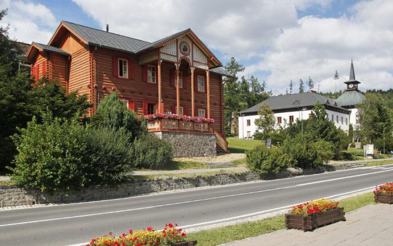 V zrubovej Vile Alica sídli Múzeum tatranskej kinematografie a fotografie